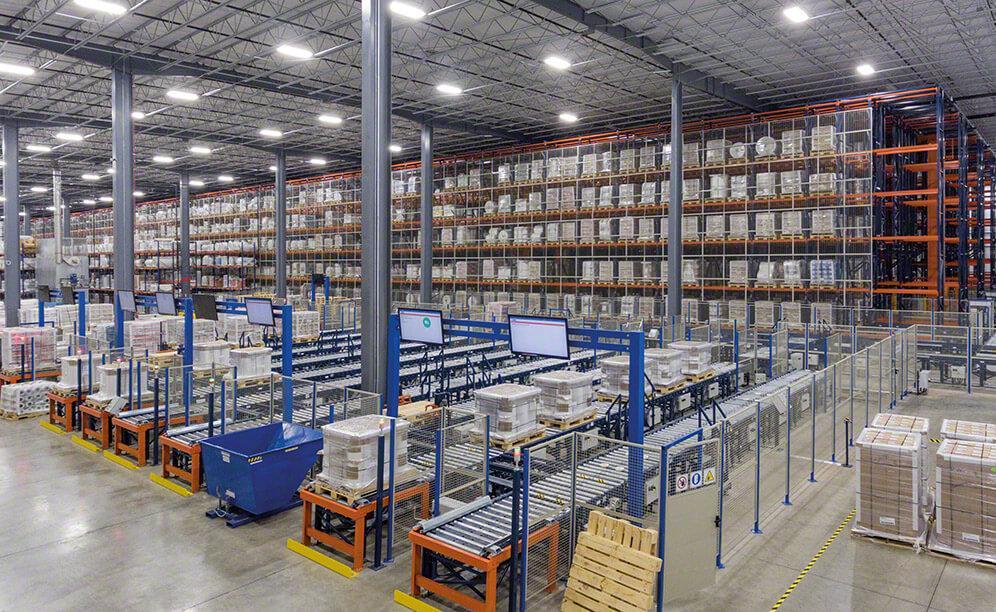 Interlake Mecalux propôs a construção de um armazém automático de 11,9 m de altura no interior do galpão da Charter Next Generation