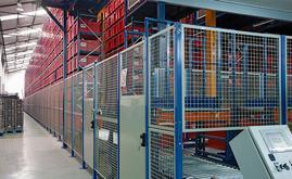 A Unidroco dispõe de um armazém automático miniload com capacidade para mais de 14.200 caixas