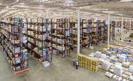 A Mecalux projetou um armazém com múltiplas soluções de armazenamento que permitem gerenciar uma grande variedade de produtos