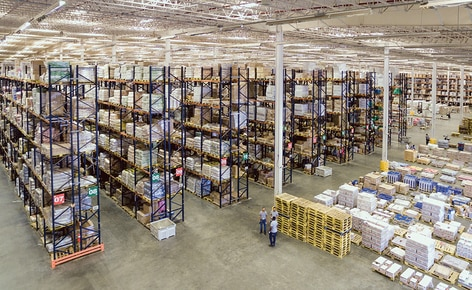 Grupo Ramos combina diferentes sistemas de armazenamento para melhorar a logística de seu novo armazém