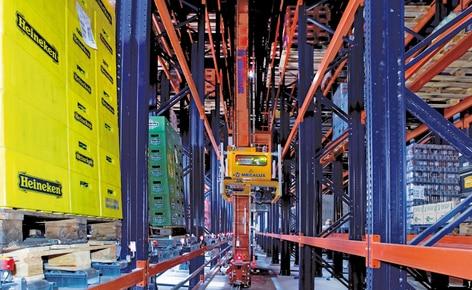 Mecalux aumenta a capacidade de armazenamento de uma empresa de distribuição com a instalação de um armazém automático autoportante