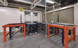 O transportador de entrada dispõe de um posto de inspeção que garante o excelente estado de todos os paletes colocados no armazém automático