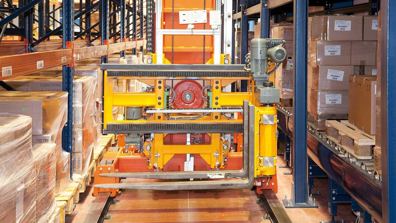 Caso prático Transelevadores Trilaterais Automáticos: Disalfarm