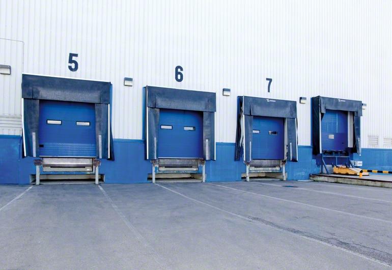 Distribuição das docas de carga e descarga de um armazém.