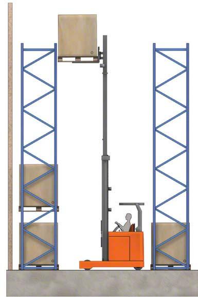 Algumas empilhadeiras podem levantar a carga acima de 10 metros.