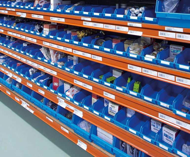 Empresa dedicada aos fornecimentos industriais. O suporte de seus produtos são caixas.