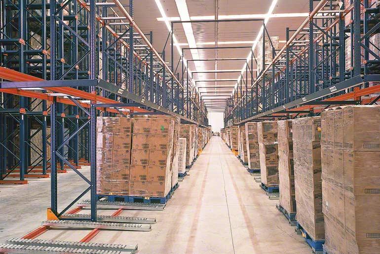 Armazém instalado para empresa do setor da distribuição