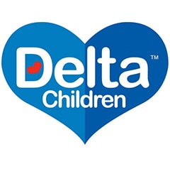 Onde dormem os berços? Os do fabricante de artigos para bebes Delta Children, dormem em estantes convencionais no seu armazém da Califórnia