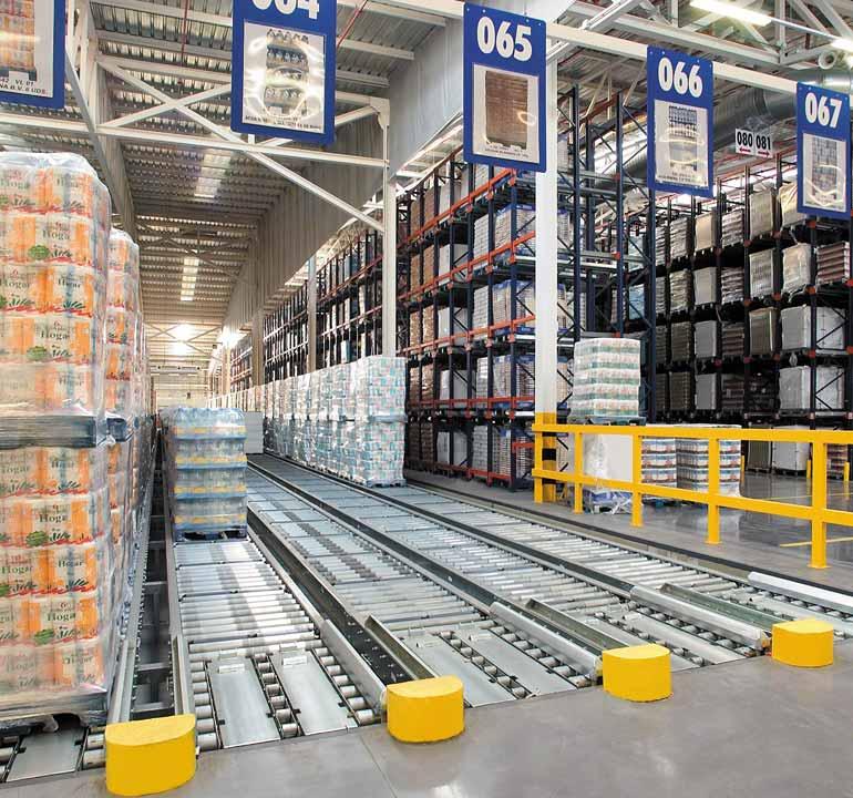 Armazém para centro de distribuição do setor da alimentação
