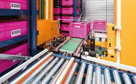 A empresa optou pela automatização oferecida pelo armazém de caixas miniload da Mecalux para gerenciar o processo logístico de seu centro localizado em Servon-sur-Vilaine (França)