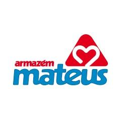 Grande capacidade de armazenamento no centro de distribuição do Armazém Mateus no Brasil