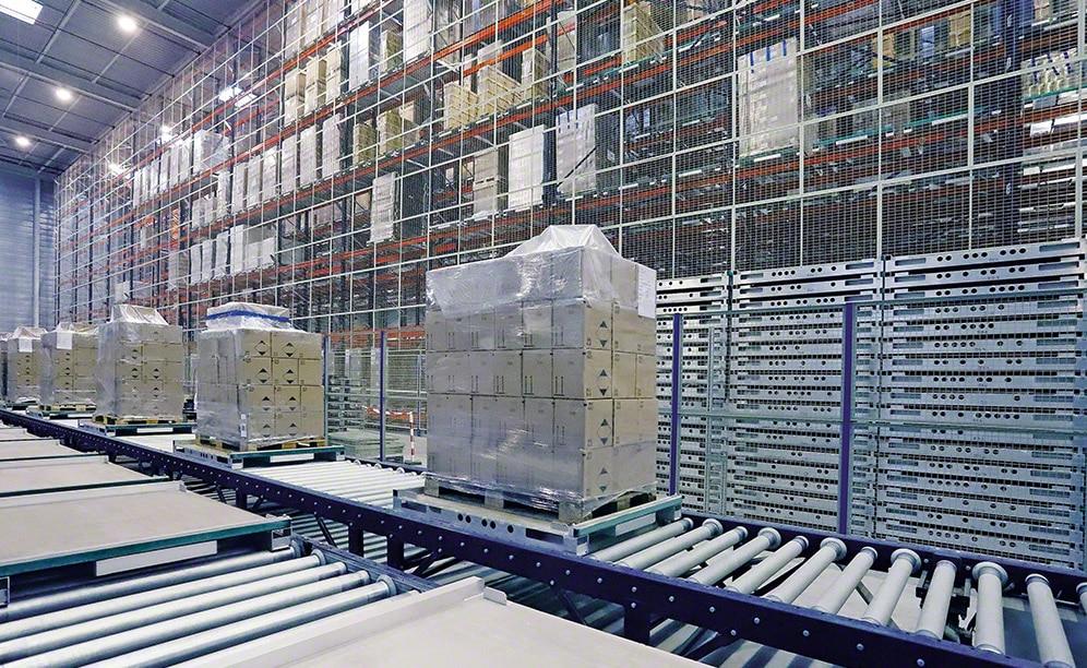 Novo corredor no armazém automático da empresa de esterilização Steris