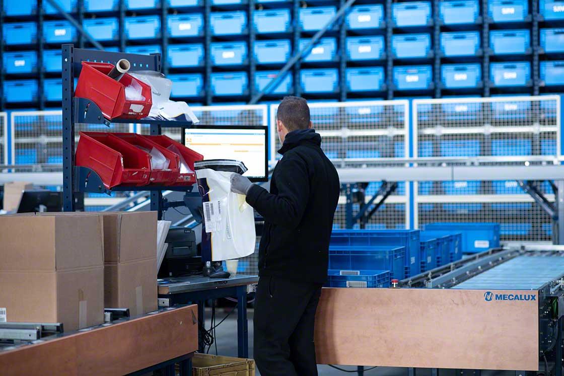 A automação e gerenciamento de armazém trazem velocidade, segurança e precisão para a preparação do kit