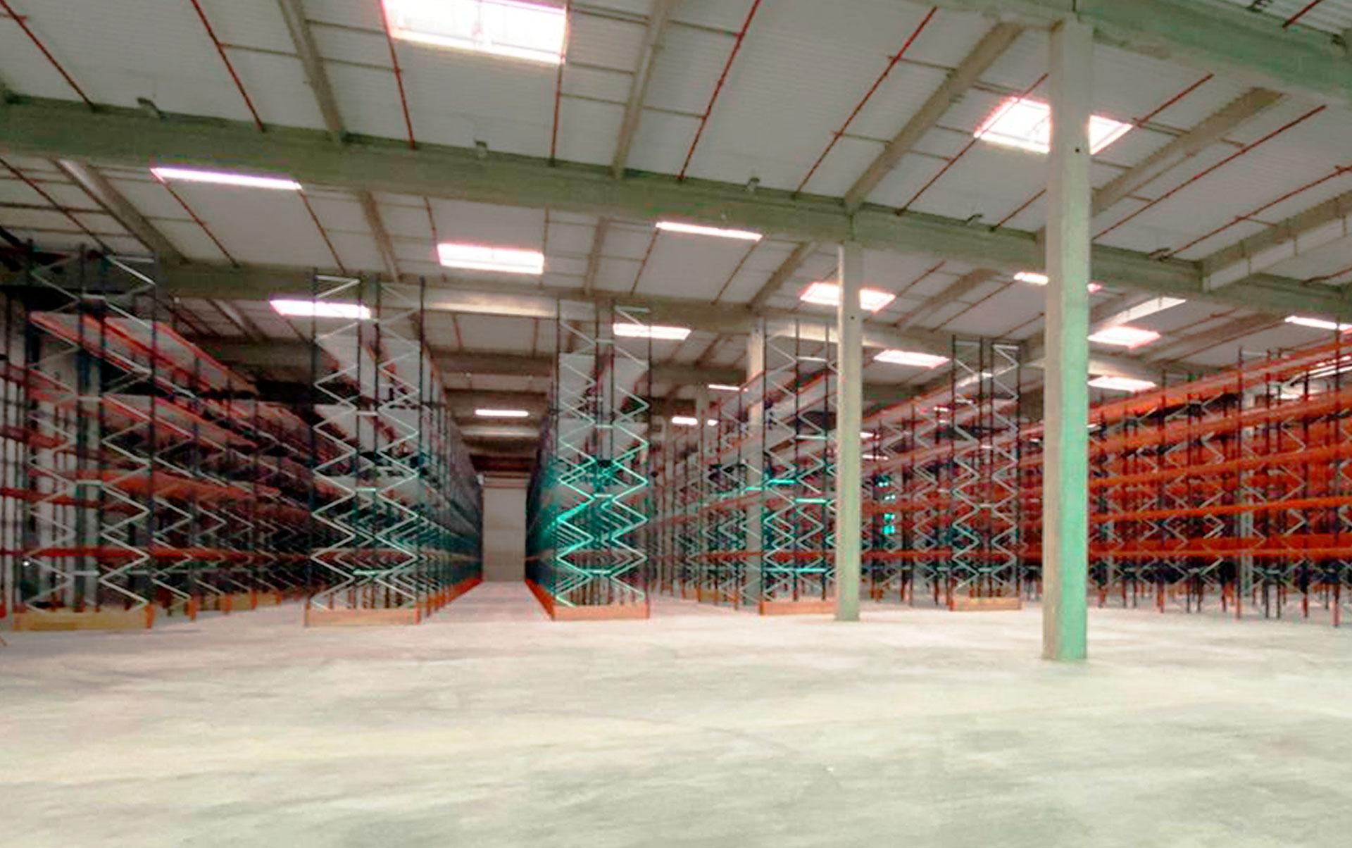 O armazém da Téréva na França tem capacidade para receber mais de 23.500 paletes
