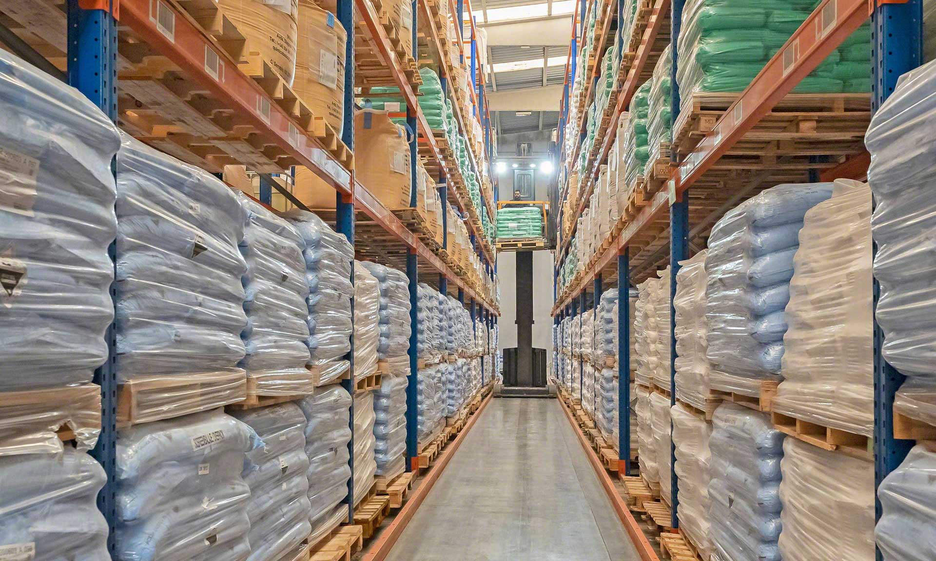 Global-TALKE: armazém setorizado com mais de 1.000 referências de produtos químicos